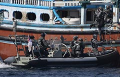 HMAS Toowoomba Boarding Parties board a drug smuggling dhow in the Gulf of Aden